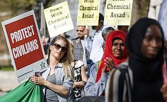 Esed rejiminin kimyasal saldırılarına Londra protestosu