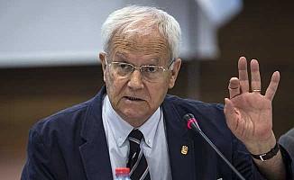 Eski YÖK Başkanı Teziç hayatını kaybetti