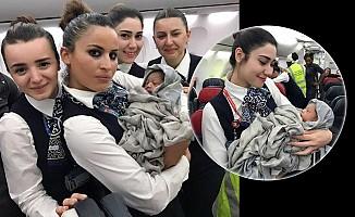 THY uçağında havada doğum