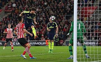 Arsenal'in üst üste ikinci galibiyeti