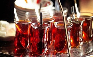 Aşırı sıcak çay ve sigara kansere yolaçıyor