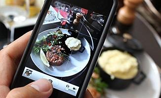 Facebook yemek servisi yapacak