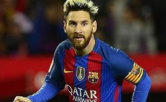 FIFA, Messi'nin cezasını kaldırdı