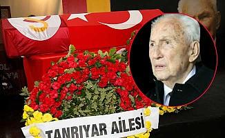 Galatasaraylı'lar Ali Tanrıyar'ı son yolculuğuna uğurladı