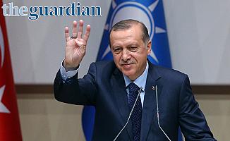 Guardian: Erdoğan iktidarı eline alıyor