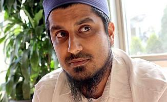 """Müslüman STK yöneticisine """"yekilileri engelleme"""" suçlaması"""