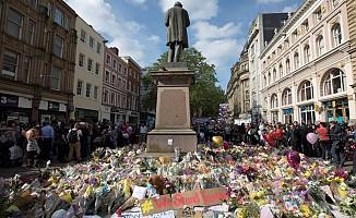Manchester takımlarından terör mağdurlarına yardım