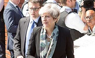 Başbakan May'den teröre karşı kararlılık mesajı