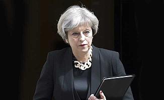 Başbakan May, Kraliçe'ye giderek izin isteyecek