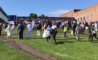 İngiltere'de bayramlaşan kalabalığa araçlı saldırı