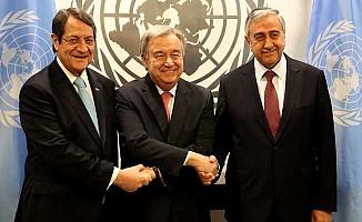 Kıbrıs için bir kez daha zoraki tokalaşma töreni yapıldı!