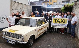 Almanya'daki Türk taksiciler örgütleniyor