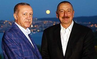 Erdoğan, Aliyev'le fotoğrafını sosyal medyada paylaştı