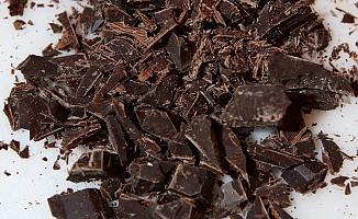 Gençliğinizi bitter çikolata ile koruyun