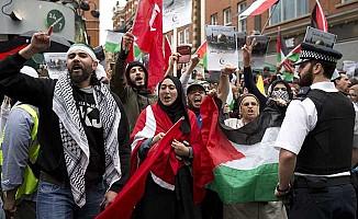 İsrail'in ihlalleri Londra'da protesto edildi