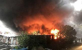 İstanbul Kağıthane'de yangın