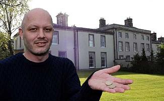 Milyonluk evini 2 sterline sattı