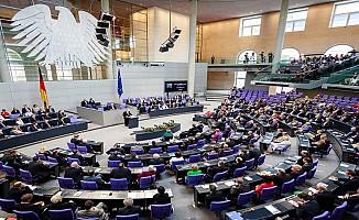 Almanya'da 14 Türk kökenli vekil mecliste