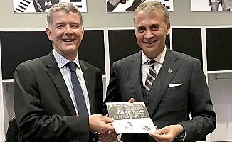 İngiltere Büyükelçisi Moore, Beşiktaş'ın Kongre Üyesi