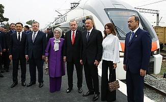 Bakü-Tiflis-Kars Demiryolu Hattı'nda ilk sefer