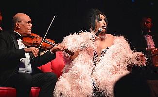 Bülent Ersoy, dansıyla hayranlarına şov yaptı