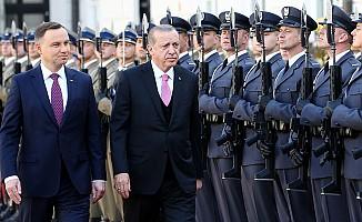 Erdoğan'a Varşova'da 'Dede Efendi' Sürprizi