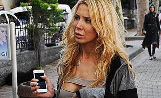 Esra'ya polise tokattan hapis şoku