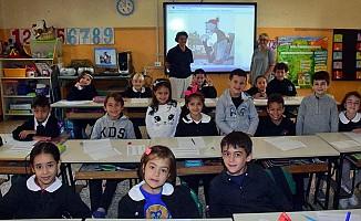 İtalya'da bir ilkokulda İncil ve Kur'an birlikte okutuluyor