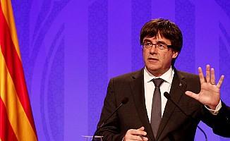 Katalonya Başkanı Puigdemont geri adım atmıyor
