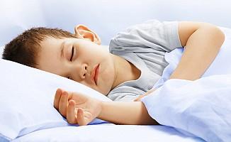 Çocukların uyku düzeni için belli bir rutin şart