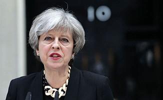 May hükümetinde kriz bitmiyor