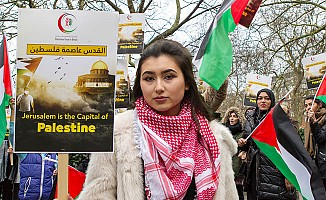 ABD'nin Kudüs kararına Londra'da protesto