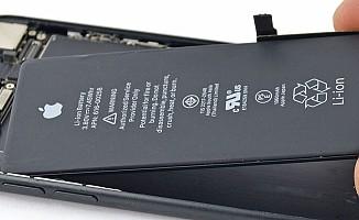 Apple, batarya değişiminde indirime gitti