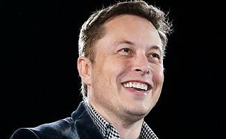 Elon Musk telefon numarasını Twitter'dan paylaştı