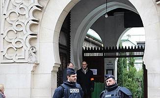 Fransa'da OHAL cami kapattı!