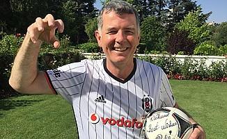 İngiliz büyükelçi Moore'un veda videosuna, Beşiktaş damgası