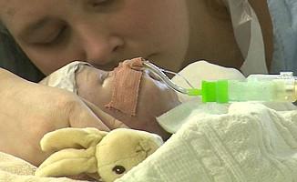 Sekiz haftalık bebeğe kalp nakli
