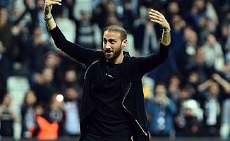 Cenk Tosun, Beşiktaş taraftarına veda etti