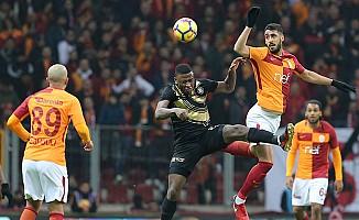 Galatasaray'ı Osmanlıspor karşısında Gomis rahatlattı