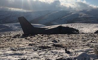 Isparta'da düşen askerî uçağın enkazından ilk görüntüler geldi