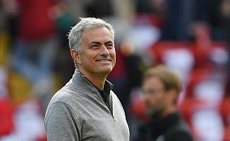 Jose Mourinho, 94 yaşındaki Manchester United taraftarına mektup