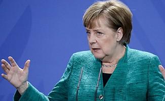 Merkel, AB ve Avusturya'yı Türkiye konusunda eleştirdi