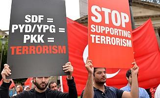 Avustralyalı Türkler, Melbourne'da 'Zeytin Dalı Mitingi' düzenledi