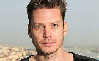 Rus oyuncu, Türk vatandaşı olup askere gitmiş