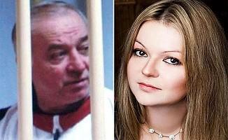 Dünya İngiltere'de Zehirlenen Rus Ajan ve Kızını Konuşuyor