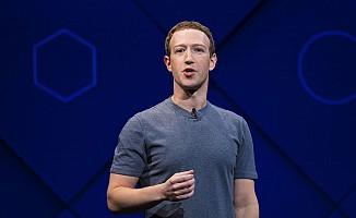 Facebook'un patronu skandal sonrası özür diledi
