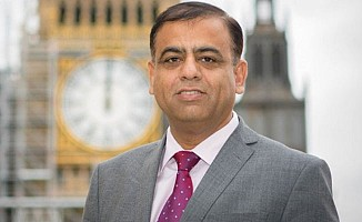 İngiltere'de Müslüman milletvekiline şüpheli paket gönderildi
