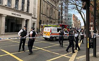 Londra kent merkezinde 'şüpheli paket' alarmı