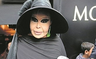 Diva Bülent Ersoy hastaneye kaldırıldı