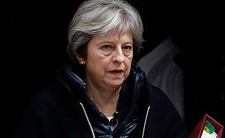 İngiltere Başbakanı Suriye Saldırısını Böyle Savundu